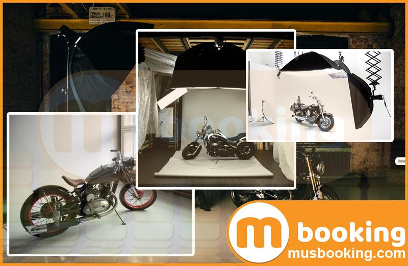 фотостудия с мотоциклом